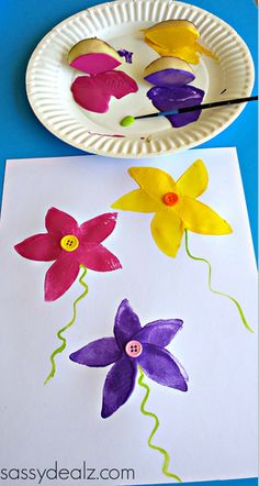 Use Potatoes to Make a Flower Stamp - Sassy Dealz