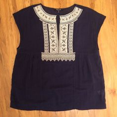 Madewell Navy Tribal Top, Medium Top from Madewell is a light gauzy material. Worn less than 5 times and in great condition.  Bundle for a discount, willing to negotiate with reasonable offers. Madewell Tops Blouses
