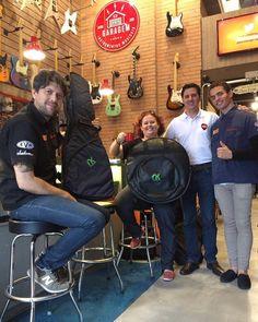 Hoje o #CafeDas18 contou com a presença do pessoal da @newkeepersbags  Bags de qualidade, com visual incrível!