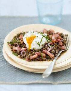 Lentils with poached eggs No Salt Recipes, My Recipes, Healthy Recipes, Traeger Recipes, 20 Min, Poached Eggs, Lentils, Cooking Time, Family Meals
