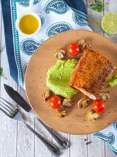 POSTRE SUREÑO DE MANZANAS | Nestlé Contigo Salmon En Salsa, Ceviche, Bruschetta, Empanadas Recipe, Cake Pops, Health Dinner, Crepe Cake, Pan Dulce, Diy Food