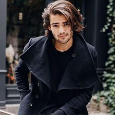 coiffure lengthy hair, autumn outfit for males, man with black coat and black shirt Cool Boys Haircuts, Haircuts For Men, Haircut Men, Hipster Bart, Boy Hairstyles, Trendy Hairstyles, Hair And Beard Styles, Mens Long Hair Styles, Gorgeous Men