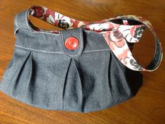 Lovely Anya shoulder bag by Gill Troup Casual Shorts, Shoulder Bag, Sewing, Pattern, How To Make, Bags, Women, Fashion, Handbags