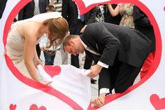 9 erfahrene Hochzeitsplaner haben uns die beliebtesten Hochzeitstraditionen verraten. Ihr seid noch auf der Suche nach schönen Traditionen? Dann schaut mal rein!