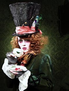 The Mad Hatter – costumepedia.com