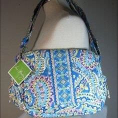 Vera Bradley Capri Blue Lindsay Crossbody Adorable medium sized snap flap crossbody purse. Rarely used in great condition. Add this cute quilted Vera Bradley to your collection! Great for a little girl to carry as a first purse. Thanks for stopping by!! Vera Bradley Bags Crossbody Bags