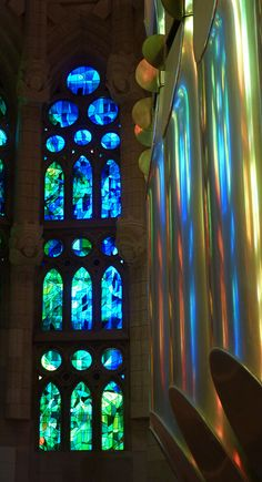 spongeblogspringerpants:  Stained Glass Reflecting in the Pipe Organ, La Sagrada Familia, Barcelona Spain