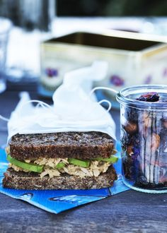 Opskrift på sund sandwich med hjemmelavet tunsalat