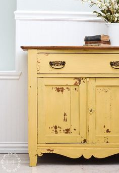 Oak Washstand Makeover with Milk Paint Mustard Seed Yellow – Furniture Decoration Yellow Painted Furniture, Milk Paint Furniture, Painting Wooden Furniture, Diy Furniture Projects, Colorful Furniture, Repurposed Furniture, Rustic Furniture, Furniture Makeover, Vintage Furniture