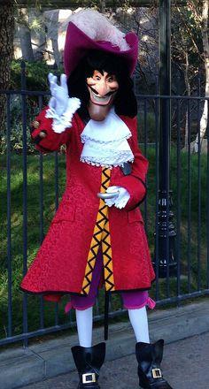 Captain Hook meet and greet in front of Disneyland Haunted Mansion. Walt Disney, Disney Pins, Captain Hook Disney, Mal And Evie, Disney Fanatic, Haunted Mansion, Get Up, Descendants, Peter Pan
