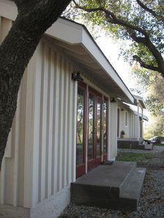 ecovastudesign / Keirns Residence / Remodeled house - North side