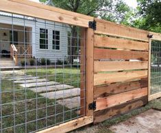 Wire Mesh Panels Cost Professional Easy, Hog Wire Fence Cost, Raised Beds, To Bu… – modern landscape design front yard Cattle Panel Fence, Hog Wire Fence, Cattle Panels, Farm Fence, Fence Gates, Wire Fence Panels, Hog Panel Fencing, Wire And Wood Fence, Chicken Wire Fence