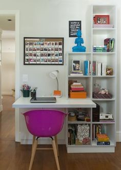 Custom-made decoration: how to set up the home office? - Home Decor 🏠 Home Office Space, Home Office Design, Home Office Decor, House Design, Home Decor, Office Ideas, Office Table, Small Office, Mini Office