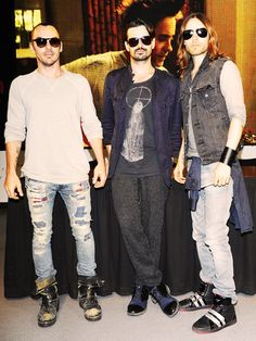 Group shot: Thirty Seconds to Mars.