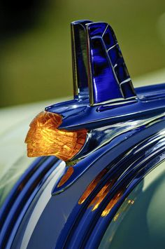 1953 Pontiac Chieftain hood ornament