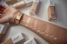 The Super Stay Foundation from Maybelline gives you a high and concentrated coverage, with a flawless finish that does not fade. This foundation has satur… Maybelline Superstay Foundation, Bourjois Foundation, Clear Makeup Organizer, Makeup Organization, Makeup Swatches, Makeup Dupes, Makeup Kit, Makeup Ideas, Younique