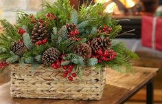 glass vase with christmas greenery Christmas Planters, Christmas Greenery, Christmas Flowers, Rustic Christmas, Christmas Wreaths, Christmas Flower Arrangements, Holiday Centerpieces, Xmas Decorations, Centerpiece Ideas