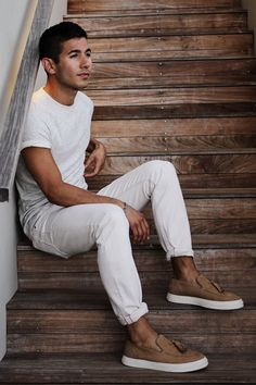 White jeans + brown slip-on loafers