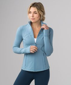 Define Jacket Seascape Best Picture For lululemon outfits for work For Your Taste You are looking fo Sporty Outfits, Athletic Outfits, Athletic Wear, Cute Outfits, Athletic Clothes, Gym Outfits, Workout Attire, Workout Wear, Workout Outfits