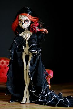 monster high - skelita repaint / custom