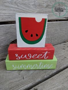 Nothing says summer like a bright red and green watermelon! Watermelons are so juicy and yummy and are the perfect posterfruit . Watermelon Crafts, Green Watermelon, Watermelon Ideas, Watermelon Patch, Watermelon Carving, Summer Crafts, Fall Crafts, Beach Crafts, Summer Diy