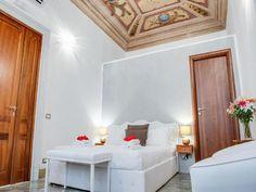 17 кращих готелів в центрі Риму. В якому районі зупинитись. Townhouse, Oversized Mirror, Sleep, Vacation, Furniture, Home Decor, Products, Homemade Home Decor, Terraced House