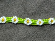 Friendship Bracelet Tutorial 15 Beginner The Daisy Chain [ORI – – Macrame Bracelets Parachute Cord Bracelets, Thread Bracelets, Macrame Bracelets, Ankle Bracelets, Knotted Bracelet, Friendship Bracelets Tutorial, Friendship Bracelet Patterns, Bracelet Tutorial, Simple Friendship Bracelets
