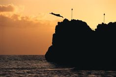 Cliff diving Kaanapali, Maui. I've dove off this cliff before!  @Maria Dennis