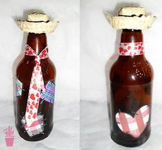 Garrafas recicladas e decoradas para festa junina Diy Bottle, Wine Bottle Crafts, Lake Cake, Fiesta Party, Hot Sauce Bottles, Holidays And Events, Cool Gifts, Diy And Crafts, Projects To Try