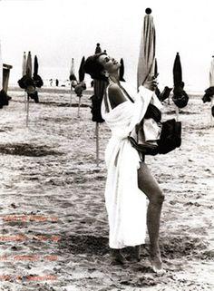 ☆ Claudia Schiffer | Photography by Ellen von Unwerth | For Vogue Magazine Italy | September 1990 ☆ #Claudia_Schiffer #Ellen_von_Unwerth #Vogue #1990