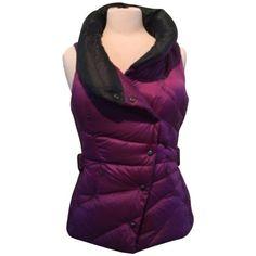 Pre-owned Lululemon Dewberry/black Get Down Vest ($109) ❤ liked on Polyvore featuring outerwear, vests, down filled vest, feather vest, goose down vest, reversible down vest and pocket vest