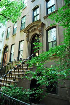 Carrie Bradshaw's Apartment 66 Perry Street and Bleecker Street, Manhattan.