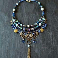 Chunky Jewelry, Statement Jewelry, Wire Jewelry, Jewelry Art, Beaded Jewelry, Jewelery, Vintage Jewelry, Jewelry Necklaces, Bohemian Hair Accessories
