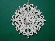 Snowflake Decorations, Snowflake Designs, Paper Decorations, Christmas Tree Decorations, Christmas Tree Ornaments, Ornament Tree, White Ornaments, Paper Ornaments, Snowflake Ornaments