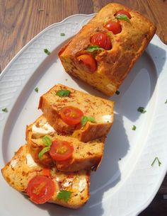 Pastel salado de tomates confitados y queso feta - Comparte Recetas