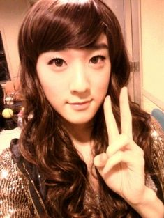 asian Boys Dressed as Girls | Kevin Woo Has Abs. MIND. BLOWN. | the quiet voice