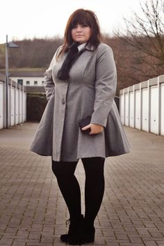 A Sherlock Holmes inspired plus size outfit - www.conquore.com