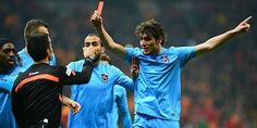 Salih Dursun Türk Futboluna kırmızı kart gösterdi - İndigo Dergisi