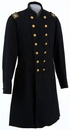 American Civil War Fashion - US Army colonel's uniform frock coat. This coat was used by Colonel Christopher C. Andrews of the Minnesota Volunteer Infantry Regiment during the Civil War. Civil War Flags, Civil War Fashion, Union Army, Frock Coat, Vintage Outfits, Vintage Fashion, American Civil War, American History, Civil War Photos