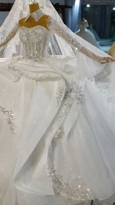 Wedding Dress Bustle, Affordable Wedding Dresses, Dresses To Wear To A Wedding, Princess Wedding Dresses, White Wedding Dresses, Engagement Dress For Groom, Bridal Gowns, Wedding Gowns, White Homecoming Dresses