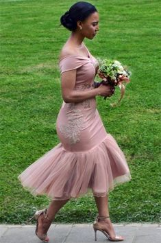 Off The Shoulder Pink Cheap Online Appliques short bridesmaid dresses - Bridesmaid Dresses Dusty Pink Bridesmaid Dresses, Bridesmaid Dresses Online, Homecoming Dresses, African Bridesmaid Dresses, Graduation Dresses, African Fashion Dresses, African Dress, African Print Fashion, Applique Dress