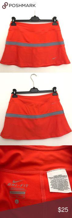 Nike Dri-fit Active Skirt Worn once. Size L Nike Skirts Mini