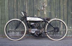 Gardner Board Tracker by Andre' Wänman Custom Motorcycle Builders, Custom Bikes, Vintage Bikes, Vintage Motorcycles, Gas Powered Bicycle, Tracker Motorcycle, Retro Motorcycle, Motorised Bike, Drift Trike