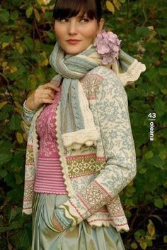 """Beautifully colored and patterned knitwear—perfect for Christmas* """" Oleana started in 1992 in the hope of creating new jobs in t. Punto Fair Isle, Tejido Fair Isle, Laine Rowan, Knitting Projects, Knitting Patterns, Fair Isles, Fair Isle Knitting, Looks Vintage, Fashion Mode"""