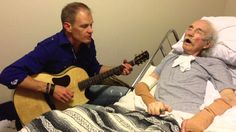 Performer Mike Rayburn Plays a Beautiful Version of 'Cat's In the Cradle' for Dying Father
