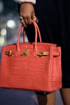 Coral Hermès bag @}-,-;--