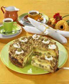Unser beliebtes Rezept für Stachelbeer-Schmand-Torte mit Krokantstreuseln und…