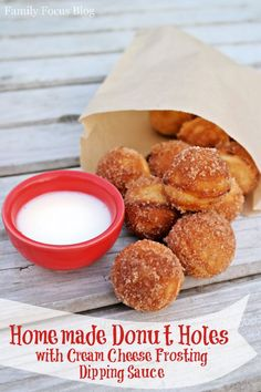 Homemade Donut Holes with Cream Cheese Frosting Dipping Sauce- donuts, breakfast (Homemade Butter With Raw Milk) Baked Donut Holes, Donut Hole Recipe, Baked Donuts, Doughnuts, Biscuit Donuts, Homemade Donuts, Homemade Butter, Homemade Sauce, Easy Desserts