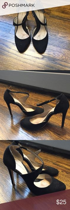 Zara high heels shoes black suede High heels in black suede from Zara. Heel height approx 3 inches features cute wave strap in front. Size 38 Zara Shoes Heels