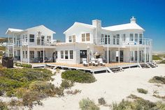 I have found my ultimate beach DREAM HOUSE! Away from the maddening crowd, with the beach on my doorstep, this house on South Africa's west coast would be perfect.